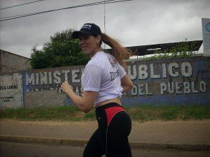 Mónica Rojas del equipo Isogym  impuso su tren en categoría libre femenino