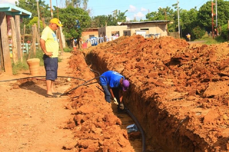 Inicia instalación de acueducto en Brisas del Este