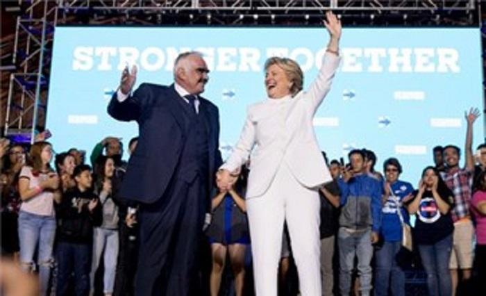 Vicente Fernández pide a latinos votar por Hillary Clinton
