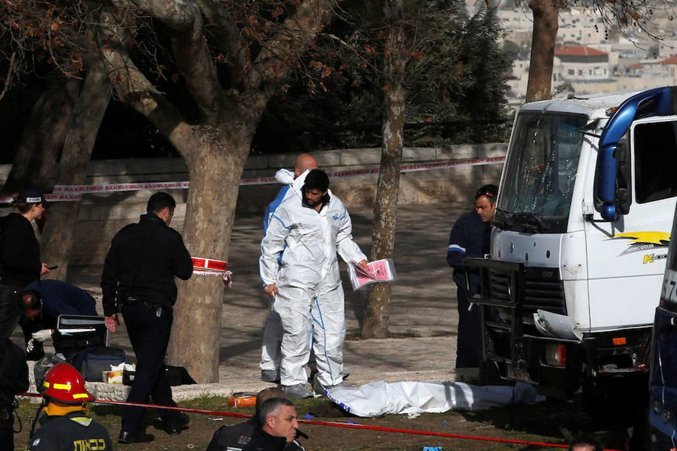 Cuatro muertos al ser arrollados  en  atentado en Jerusalén