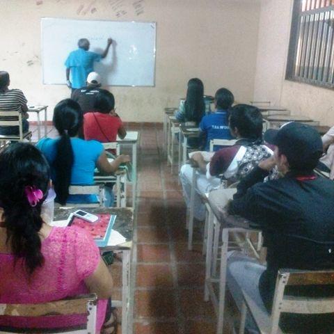 """Dictan micro taller """"La Oratoria y El Discurso"""" en aldea Juan José Rondón"""