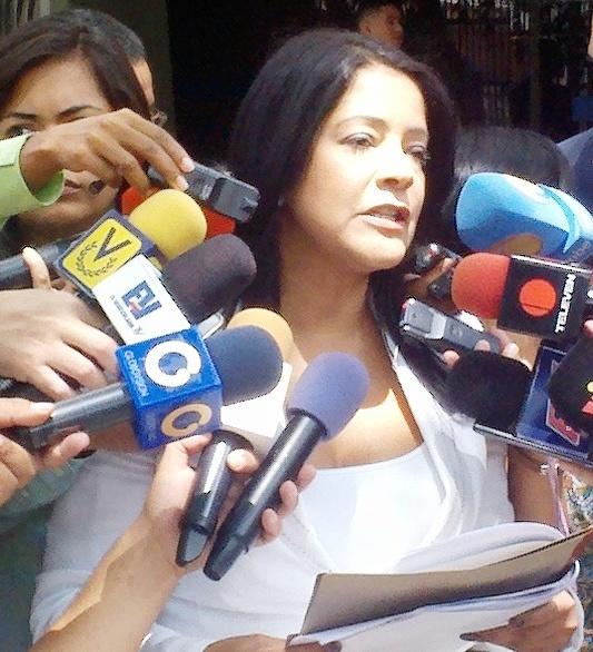 Diputada Rosal exige a CGR que responda a denuncia del año 2015 con respecto a compra de comida traída de Brasil