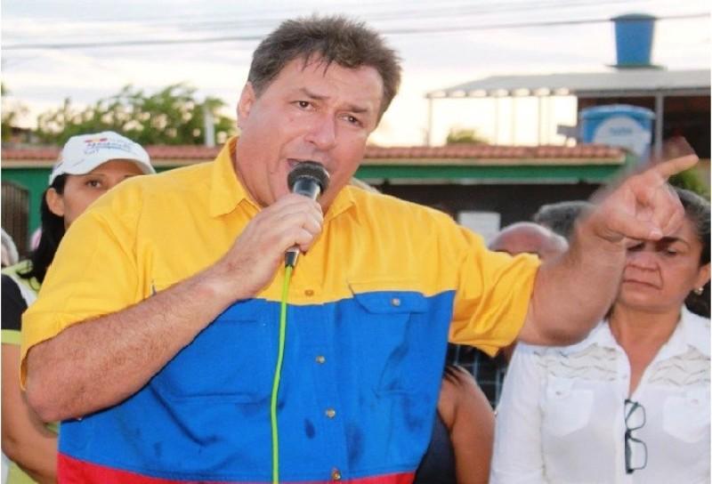 """Pedro Loreto: """"Debemos estar más unidos ante este régimen castro-madurista-comunista"""""""