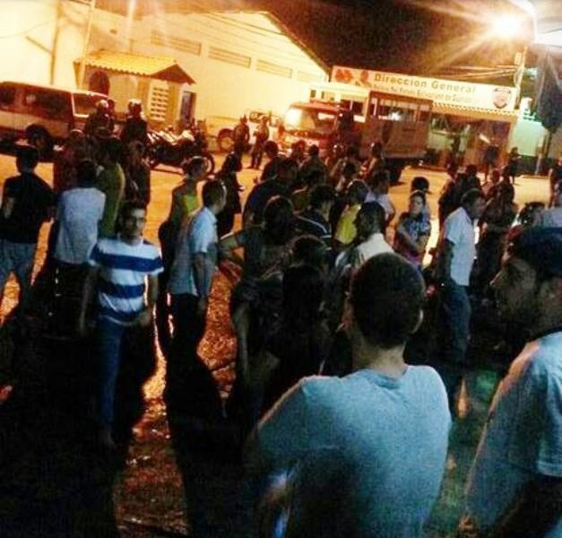 Reportan más de 30 detenidos durante manifestación en San Juan de los Morros